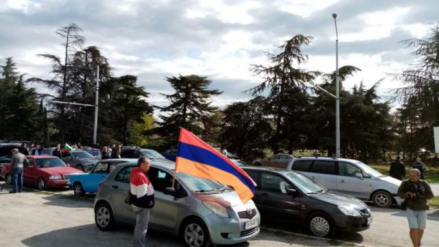 Арменците във Варна подкрепиха сънародниците си