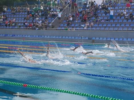 Студентите от МУ-Варна – първенци на турнир по плуване
