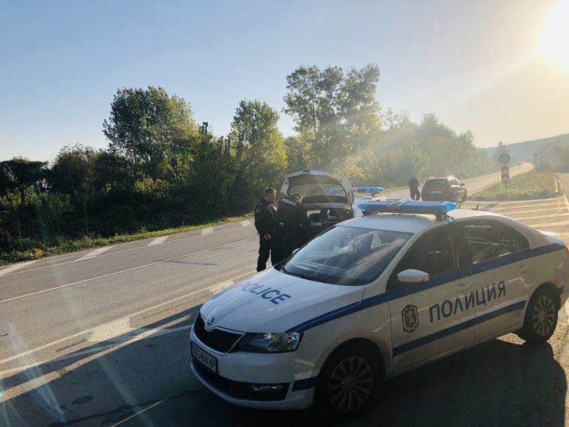 Акция във варненско: Задържани са седем души (снимки)