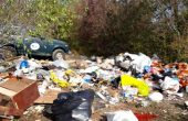 """Проблемът със """"скритите"""" бунища на Варненските гори (снимки)"""