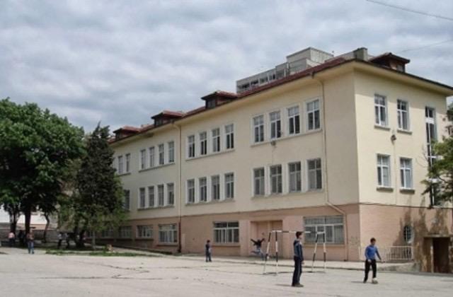 Нова учебна сграда и втори физкултурен салон във варненско училище