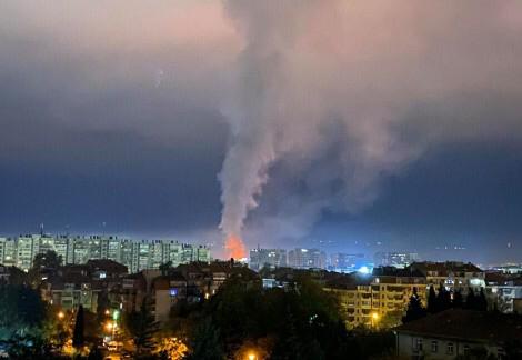 Голям пожар в центъра на Варна