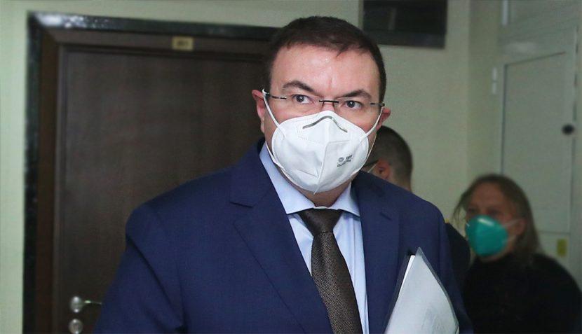 Министър Ангелов каза кое ще отворят първо, ако мерките дадат резултат