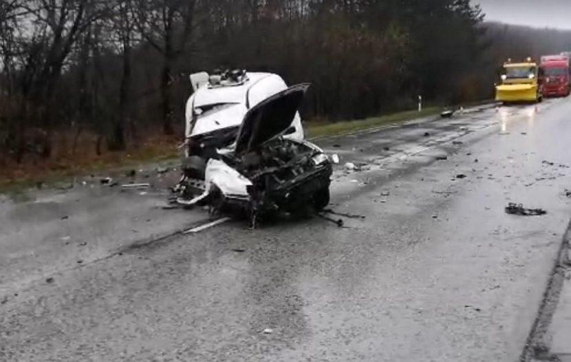 Тежка катастрофа затвори пътя София-Варна