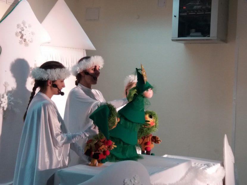 Куклен театър – Варна подарява приказка за градините с деца на медици в цялата страна