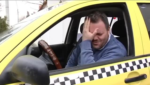 Варненец превърна такси в дискотека
