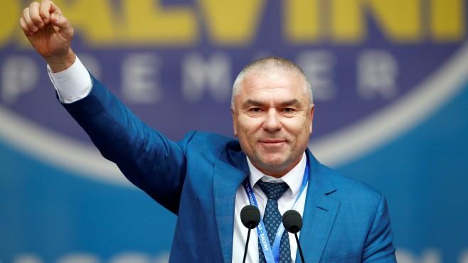 Марешки пак нападна Радев: Безсмислен му е мандатът