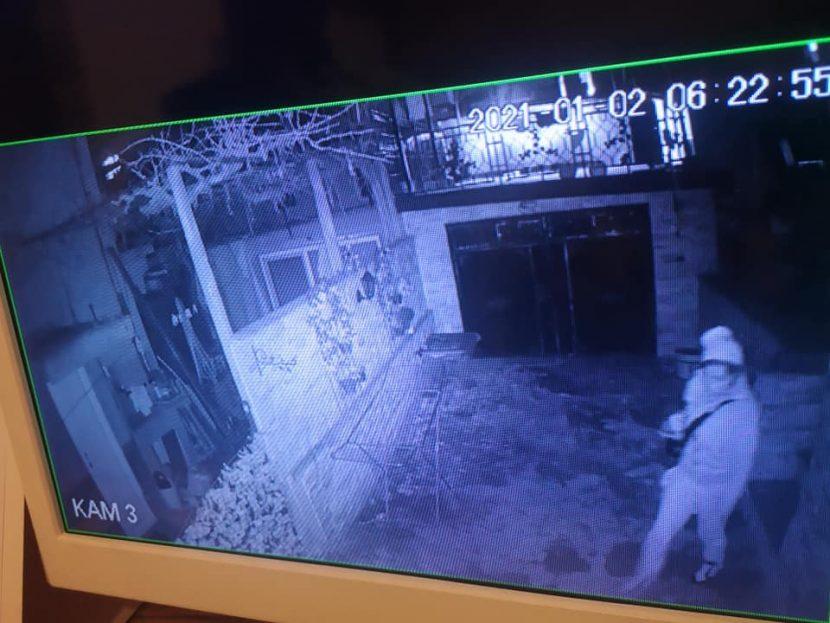 "Кражба тип ""Сам вкъщи"" до Окръжна болница (снимки)"