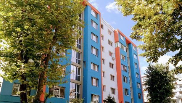 Във Варна санират още 5 блока