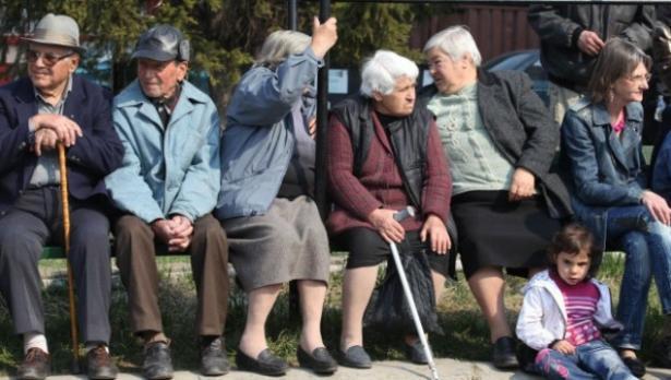 През април дават по 120 лв. за храна на най-бедните пенсионери