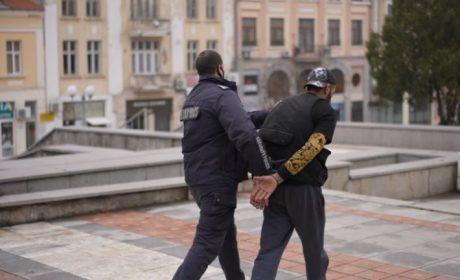 Дрогираният мъж, задигнал такси във Варна, се оказа известен рапър