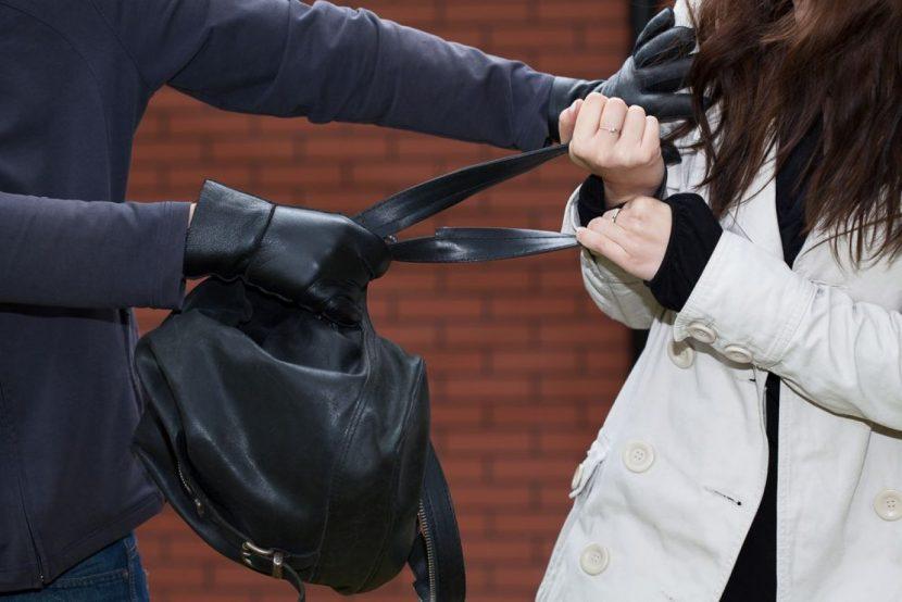 42-годишен отива на съд за грабеж на дамска чанта