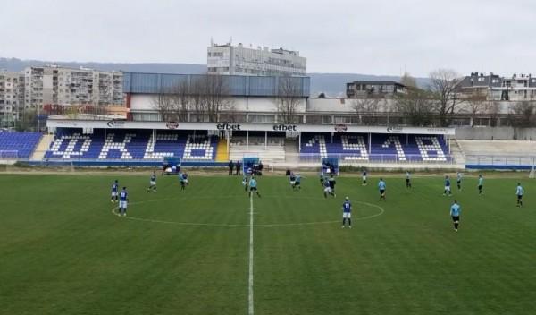 Спартак (Вн) се измъчи 85 минути, но след това избухна срещу ФК Тополи
