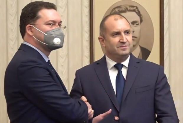 Президентът връчи мандат на ГЕРБ-СДС за съставяне на правителство