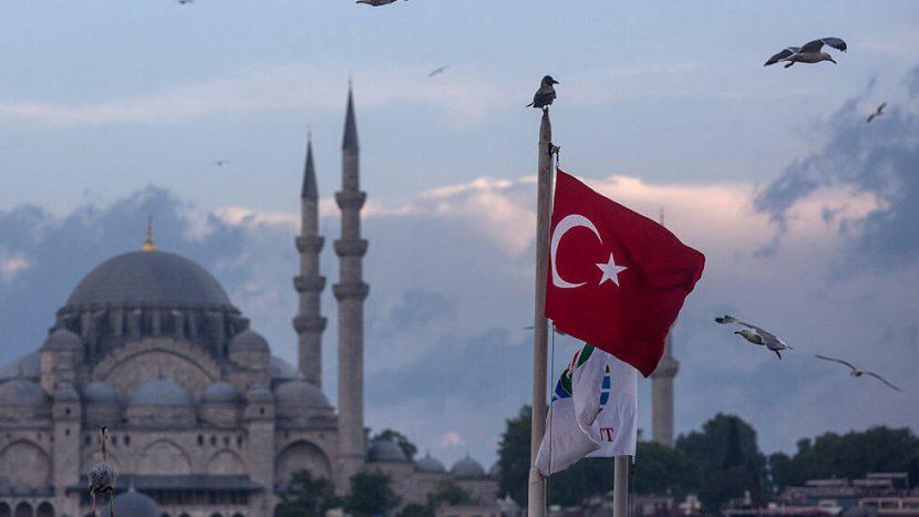 Турция е напълно затворена заради COVID-19