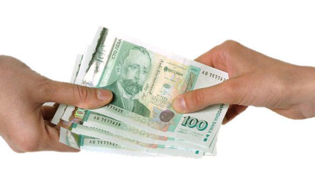 Питат варненци как живеят и стигат ли им парите