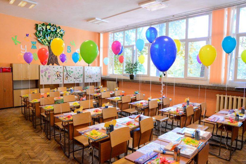415 свободни места за първокласници във Варна са обявени на второ класиране
