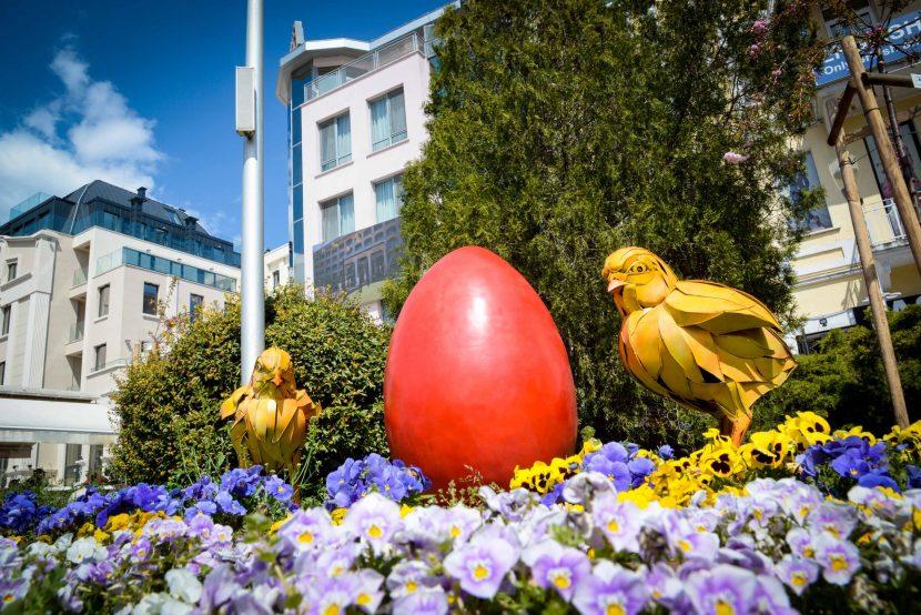 Варна е в очакване на Великденските празници (снимки)