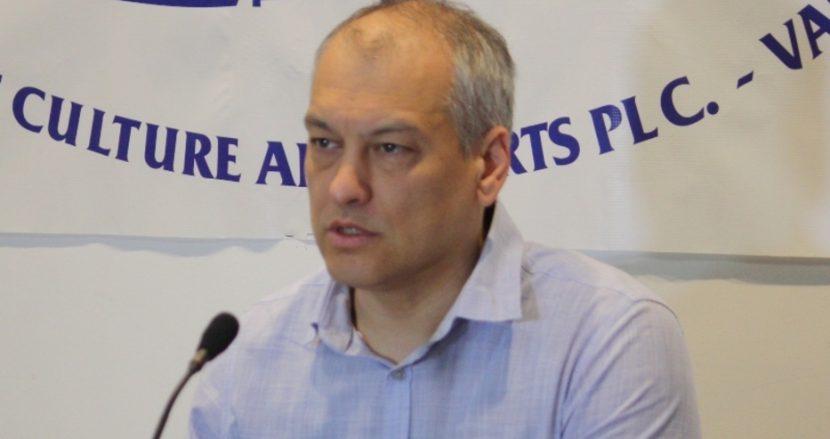 РИК – Варна: Кандидат за депутат обикаля секции с предварително разпечатани жалби