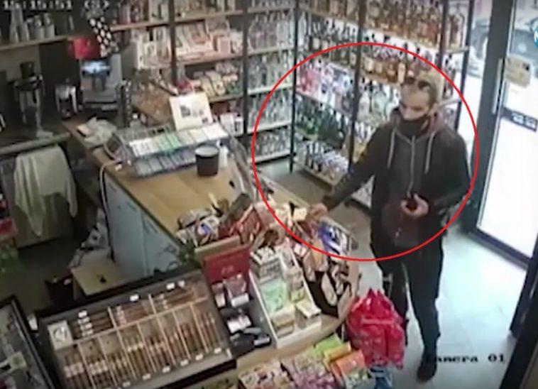 Мъж обра магазин във Варна (ВИДЕО)
