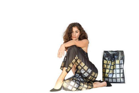 Варненка създаде дрехи с мотив от найлонова торбичка (снимки)