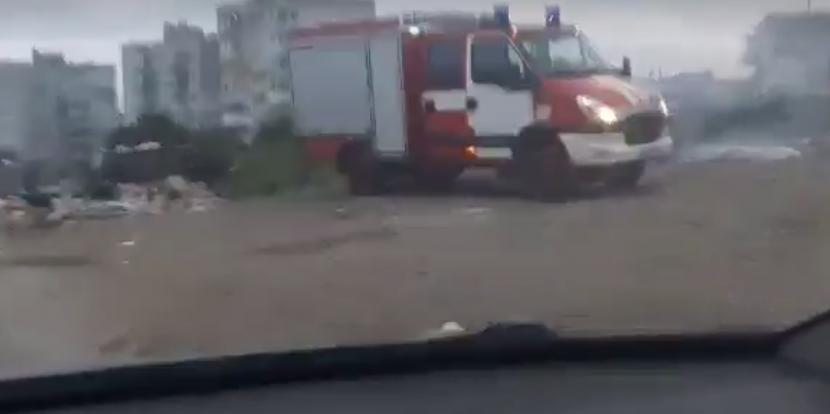 Пожар в циганската махала на Владиславово (видео)