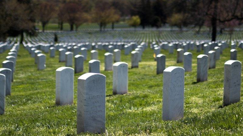 Варненка издирва починал близък. Къде е погребан? Институциите мълчат!