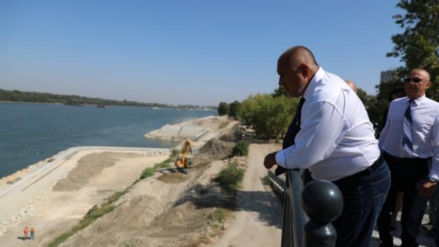 """ГЕРБ пръсна 82 млн. лв. за 4 дни за """"водни проекти"""", къде са парите?"""