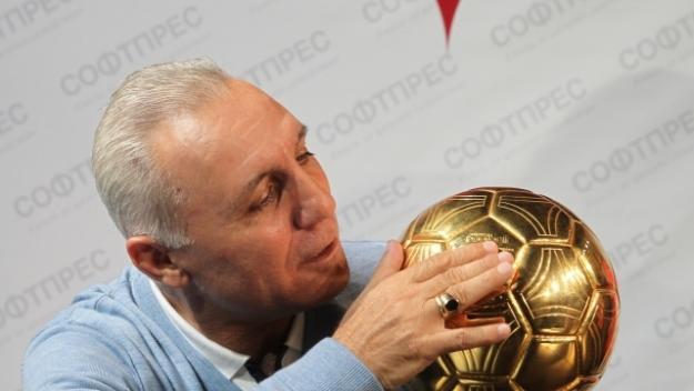 Христо Стоичков за Румен Радев: България е богата, че го има!