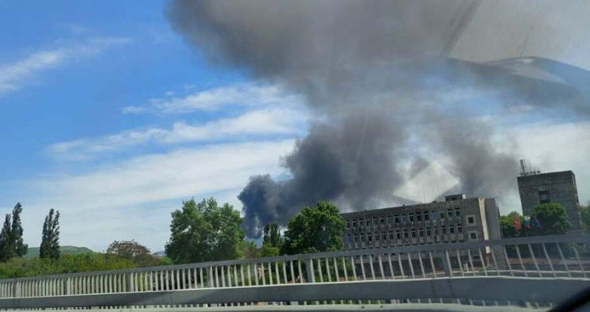 Голям пожар гори в Девня