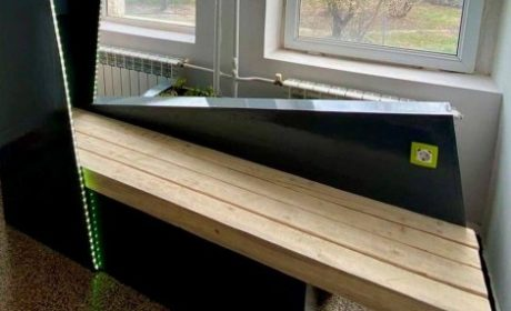 Ученици от Суворово изобретиха фотоволтаична пейка за почистване на въздуха
