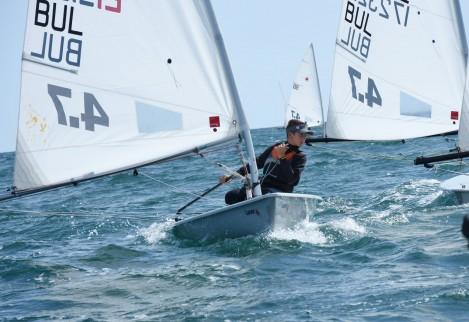 Набират 60 младежи във Варна, които да се обучават в морски спортове