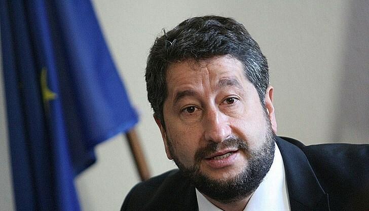Христо Иванов поиска оставката на Желязков и Гешев