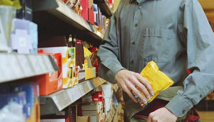 50 – годишен открадна храна и алкохол от варненски магазин