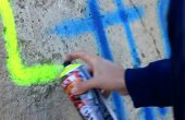 Спипаха 53-годишен варненец, надраскал с нецензурни надписи сграда