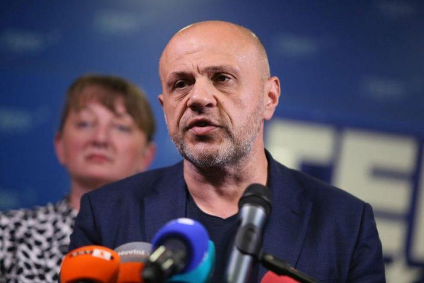Искри в парламента: Взаимни нападки между Рашков и ГЕРБ-СДС