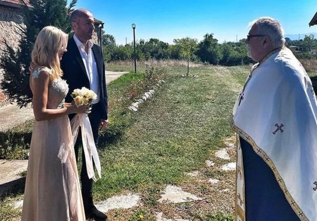 Най-нетрадиционната сватба у нас?