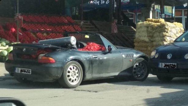 И спортни коли товарят зеленчук в сезона на зимнината